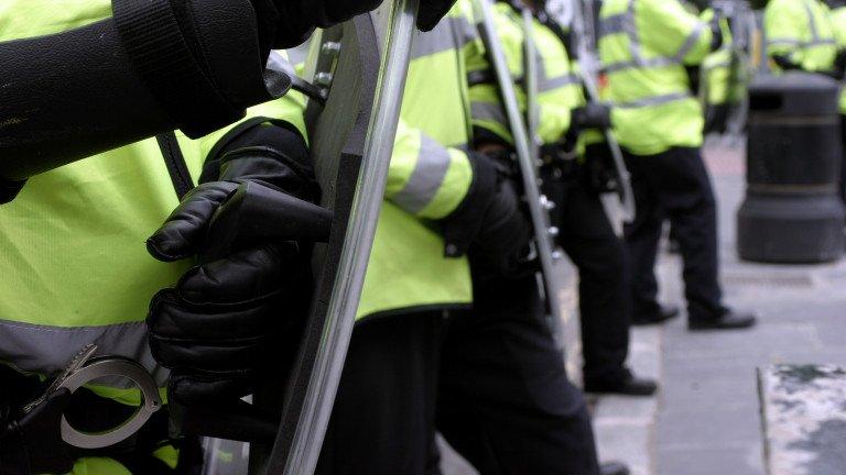 Полицаи под прикритие патрулират по Коледа