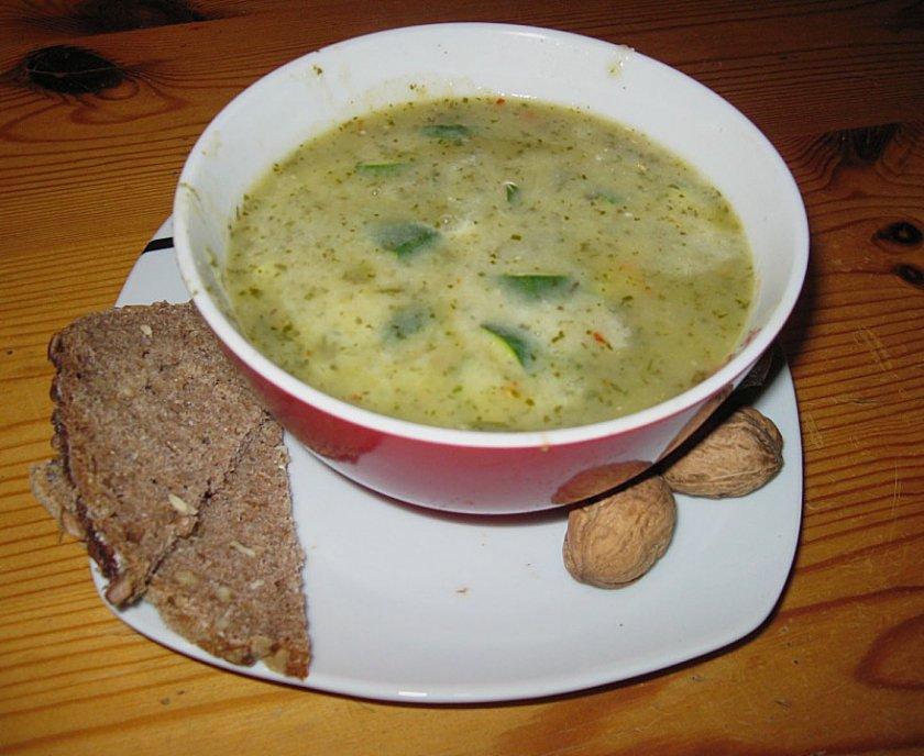Супа от коприва с тиквички