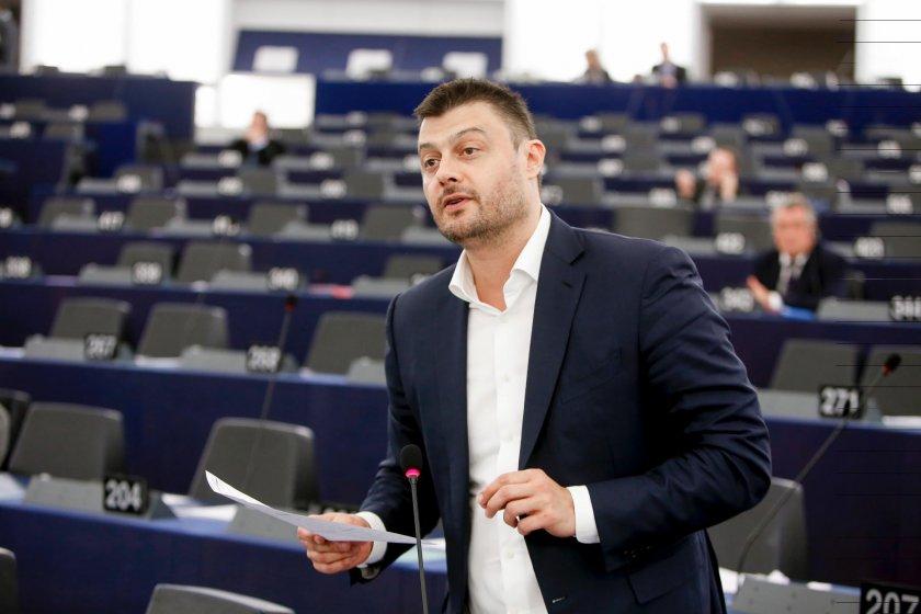 Николай Бареков изригна: Ковачки е схемаджия, държи МОСВ!