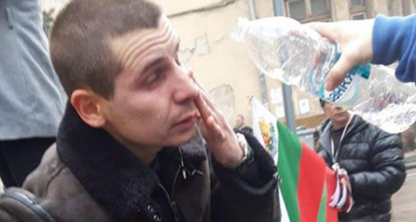 Зарин в Сирия – не може. А сълзотворен газ в центъра на София?