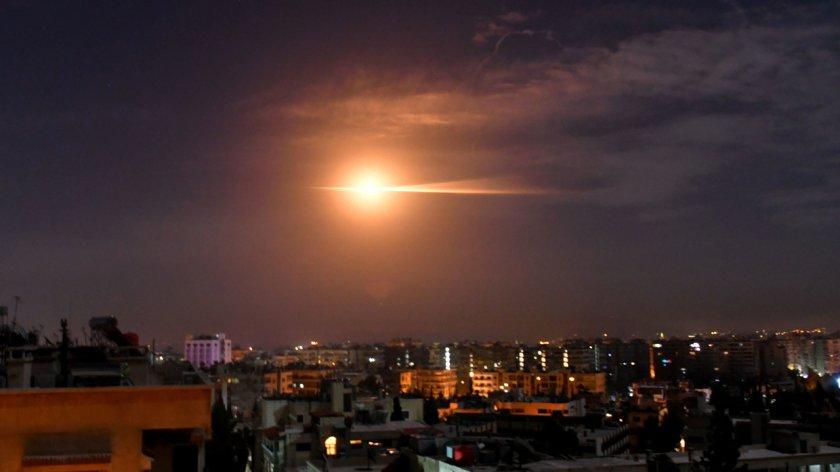 Израел бомбардира Дамаск