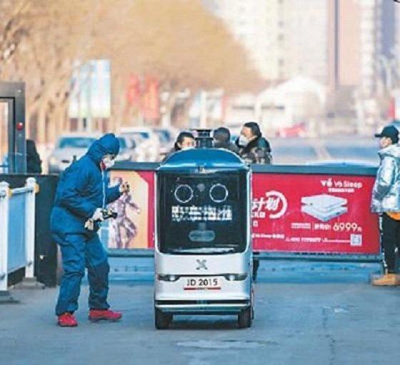 Роботи се включиха в борбата срещу коронавируса