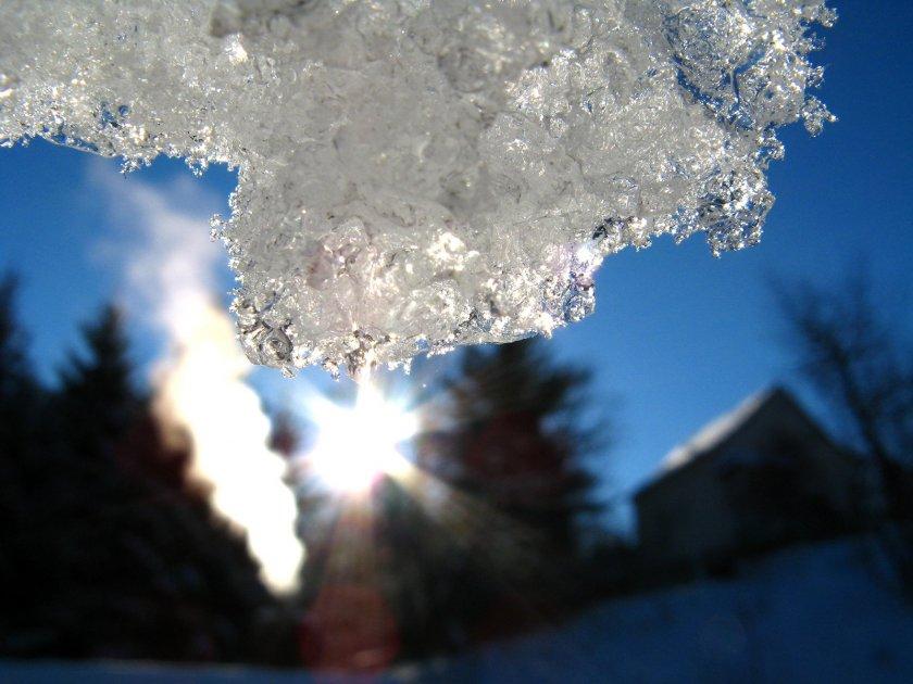 Сняг в планините, облачността ще се разкъсва