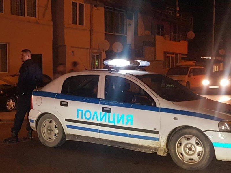 Мъж с 3,21 промила е пребил 85-годишен и е нападнал полицаи с кирка