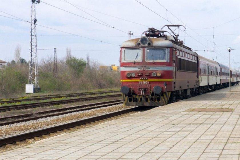 БДЖ с промени в маршрута на нощните влакове