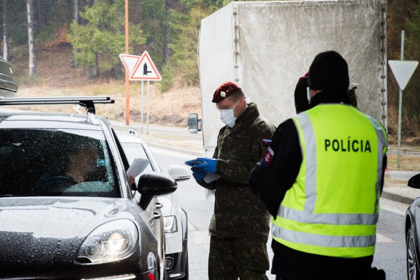 Чехия остава блокирана до 1 април