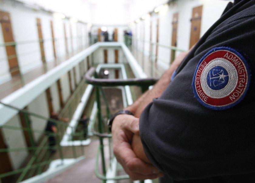 Франция ще освобождава предсрочно затворници
