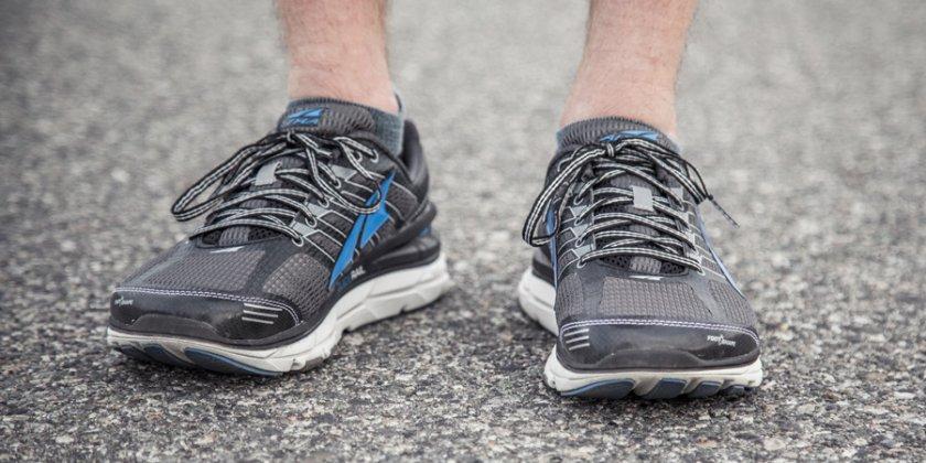 Коронавирусът оцелява 5 дни върху обувките