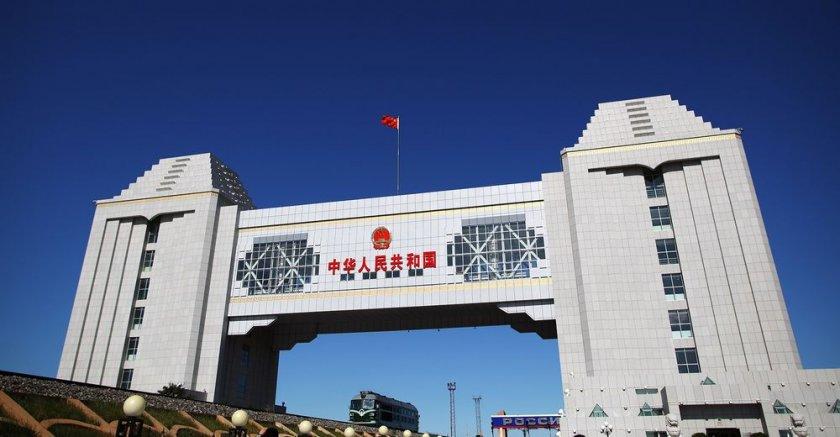 Китай затваря границите си