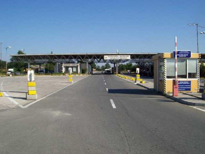 Гърция: Затворете границата за заразните българи!