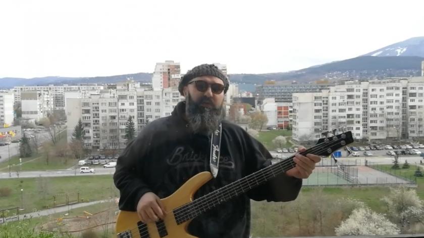 """""""Здравей!"""" - песента, която изкефи народа """"под ключ"""" (ВИДЕО)"""