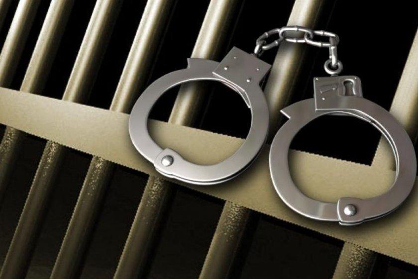 72 ч. арест за автор на два грабежа