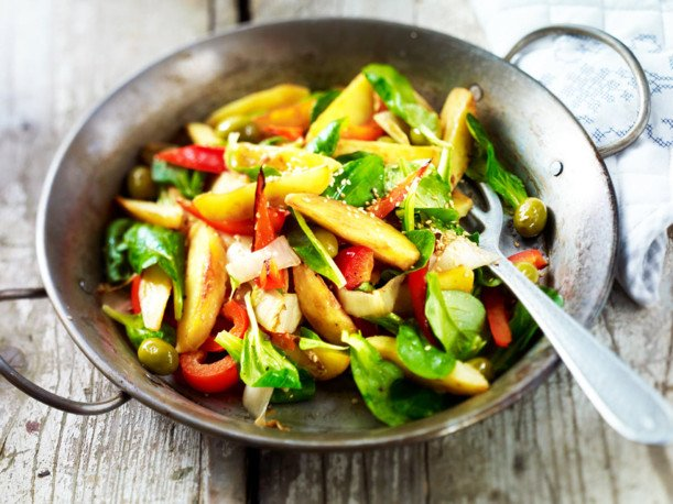 Картофки със зеленчуци и маслини