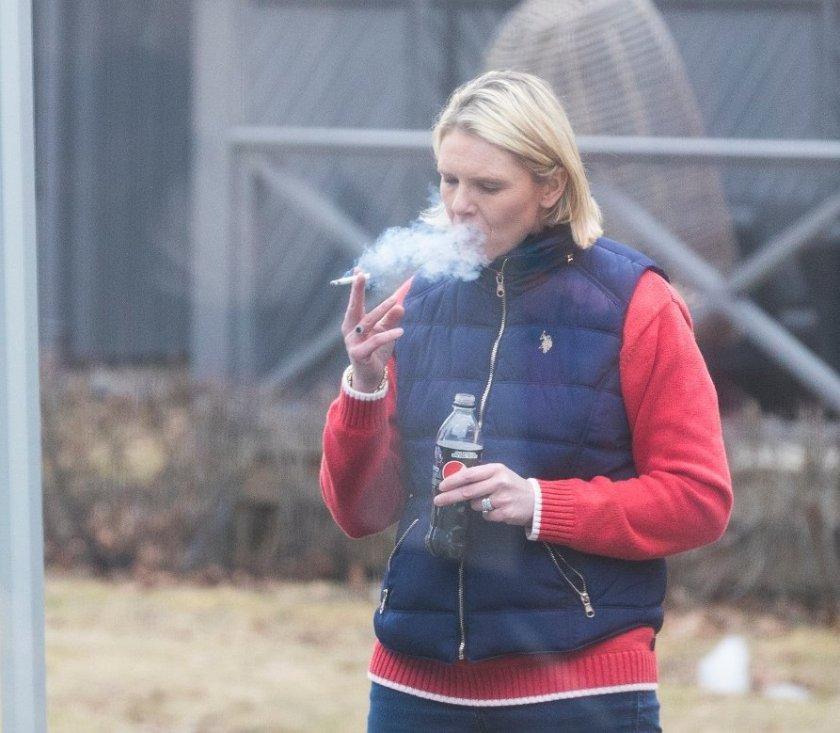 Здравен министър: Пийте, пушете и яжте на воля!