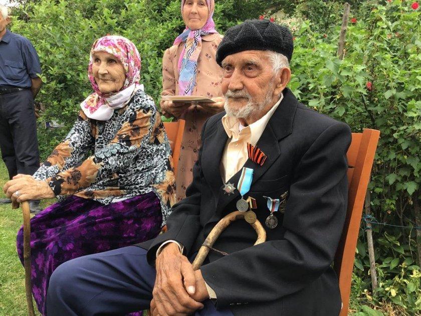 100-годишен ветеран с медал от Каракачанов