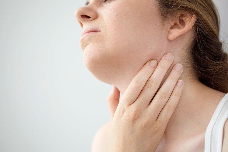 Коронавирусът удря и по щитовидната жлеза