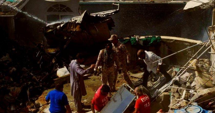 """Оцелял в самолетната катастрофа: """"Всичко беше огън, хората крещяха"""""""