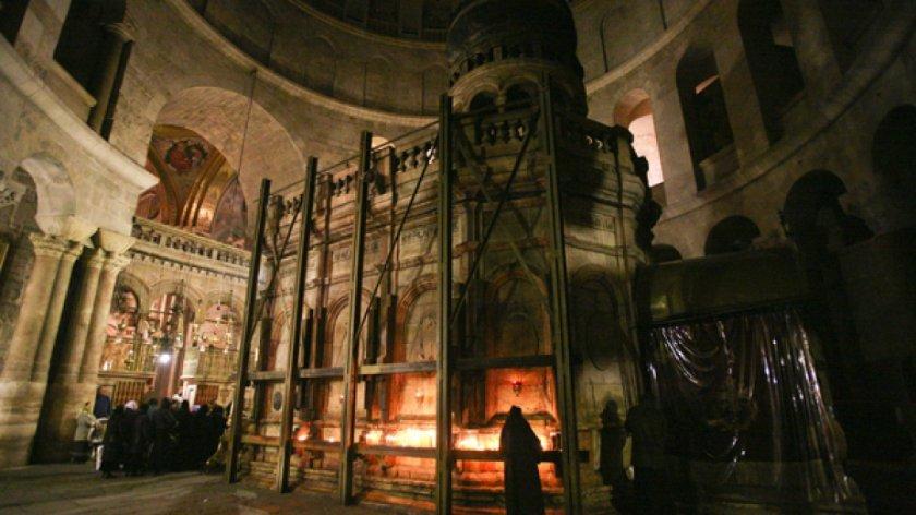 Църквата на Божи гроб отваря врати на 24 май