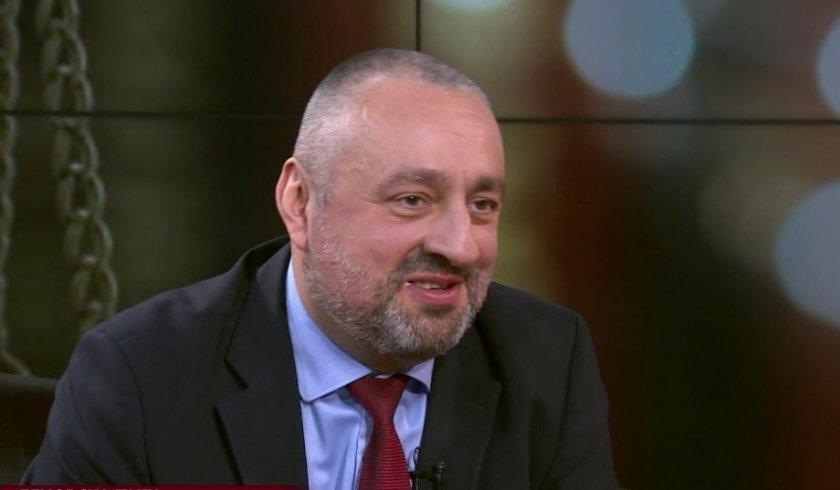 Ясен Тодоров към Лозан Панов: Защо се ската от военна служба?