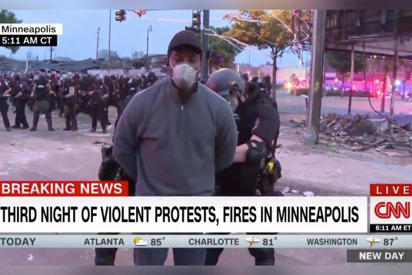 Полицията в Минеаполис арестува екип на Си Ен Ен