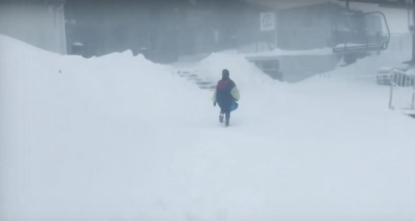 Сняг затрупа полските Татри през юни