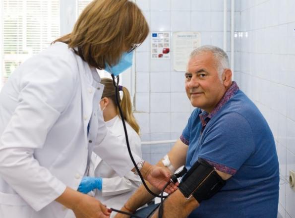 Джудистът, излекуван от COVID-19, дари кръв с антитела
