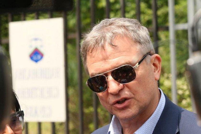 Разпитаха Пламен Бобоков за чатовете му с изтърпяващия присъда Петър Ненов