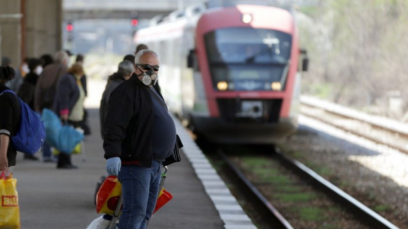 Пращат жандармерията да дебне за маски във влака
