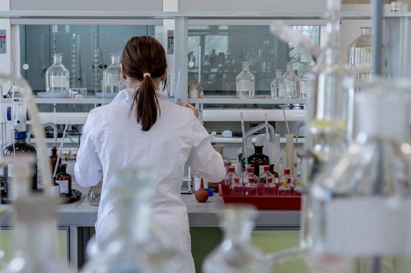 Германия готова с ваксина срещу COVID-19 до декември