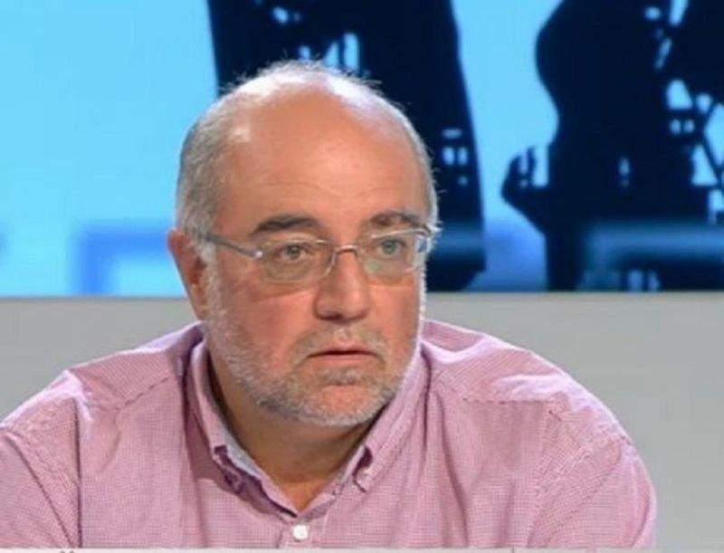 Кънчо Стойчев: Контролирано слизане от власт е по-изгодно за Борисов