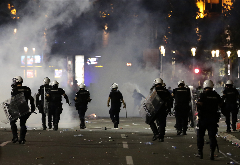 Напрежението в Сърбия не стихва