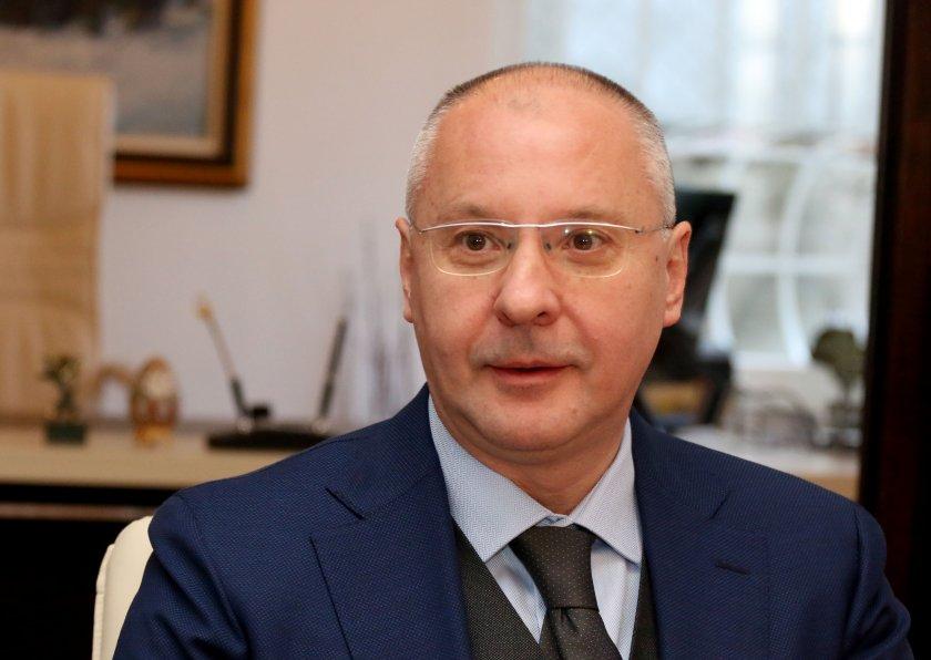 Станишев: Хиляди българи са на улицата, БСП да каже на чия страна е!