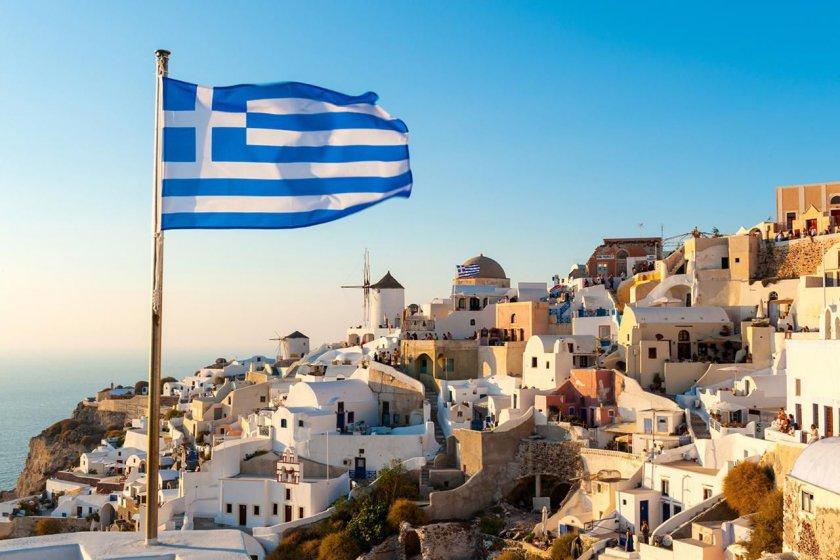 До 29 юли влизаме в Гърция с отрицателен тест за COVID-19 на английски