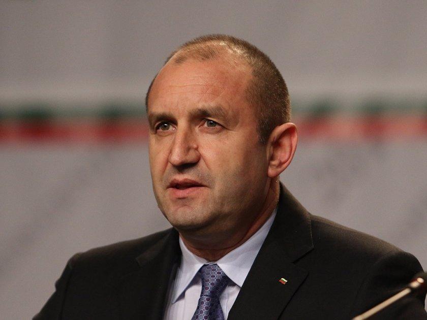 Ексклузивно в Lupa.bg: Румен Радев прави партия?