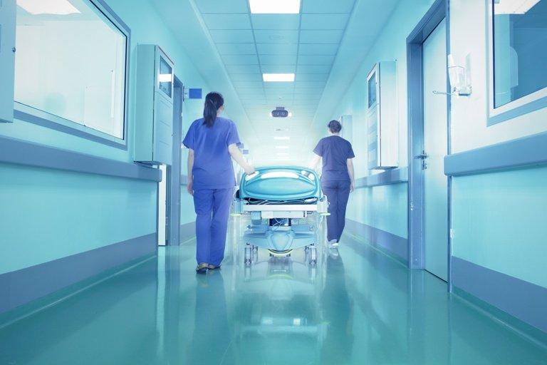 Трима от 12-те заразени в Добричко са в болница