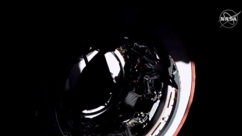 """Космическият кораб """"Дракон"""" се завръща на Земята"""