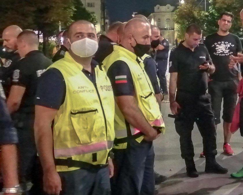 По-малко полицаи на протестите заради коронавируса