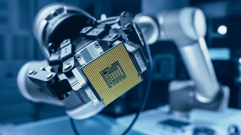 А СЕГА?: Компания на Мъск разработва чип, с който да избираме настроението си