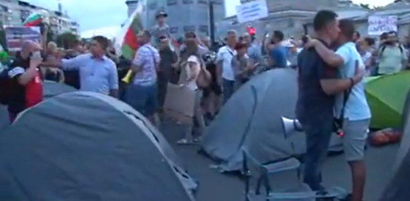 Палатки и на протеста в Пловдив