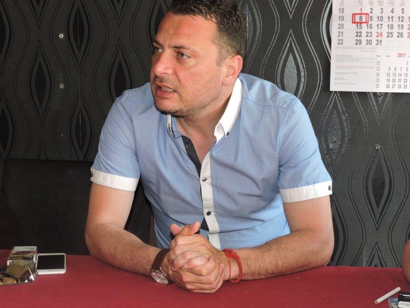 Иван Ченчев даде мощно рамо на Корнелия