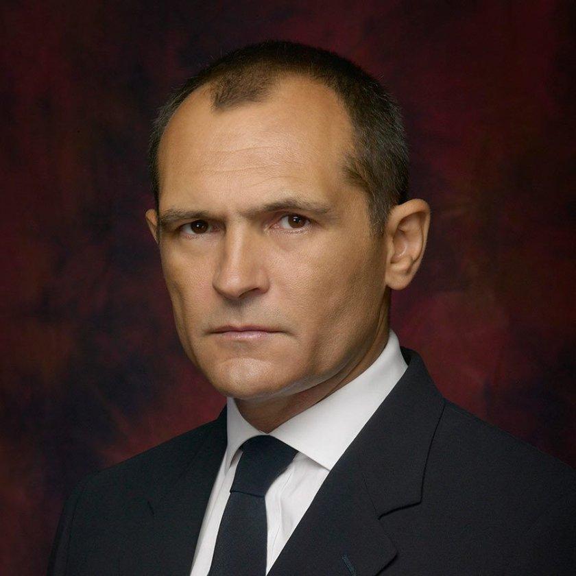 Божков изплува след 10 дни мълчание