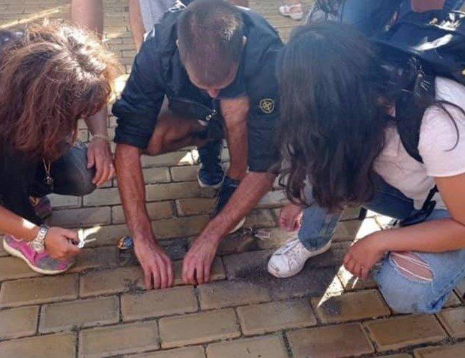 Чобанов шокиран от изкъртените жълти павета