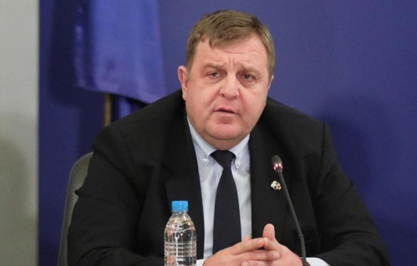Каракачанов: Тези спрейове за мечки кой ги донесе на протеста?