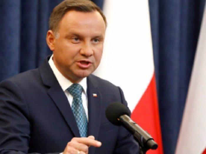 ЕП размаха пръст на Полша за хомофобията
