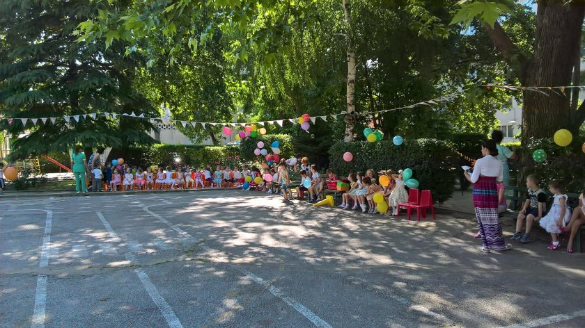 Няма проблеми! Детска градина работи, въпреки наличието на заразени с COVID-19