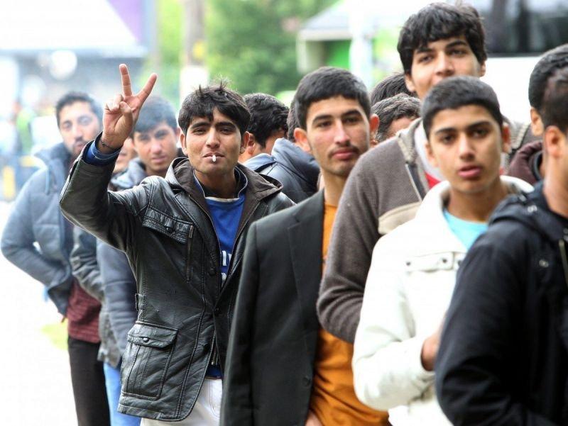Хванаха 23-ма нелегални мигранти в Костинброд