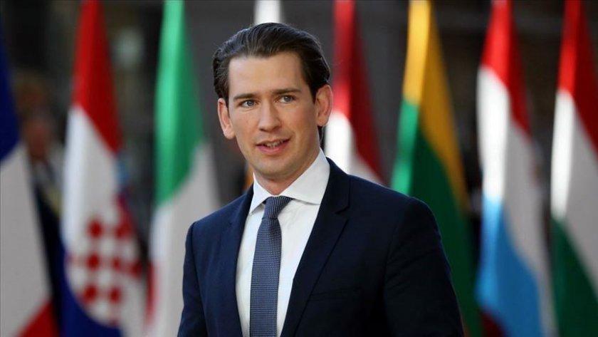 Партията на канцлера Курц печели евровота в Австрия