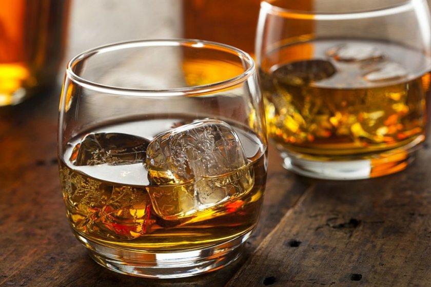Затвор за Мустафа, хванат с 90 бутилки уиски