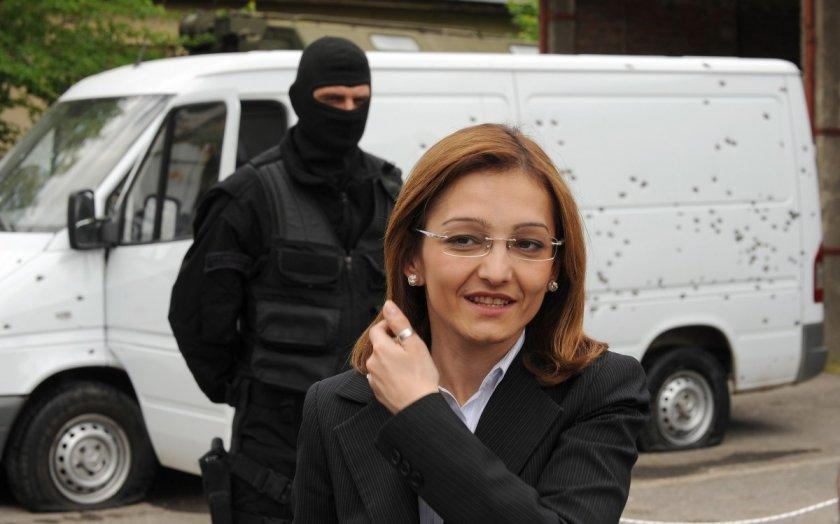 Как ще ги стигнем... македонците? Бивш министър влезе в затвора