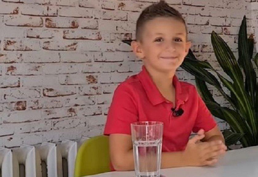 8-годишният син на Милен Цветков избира депутати